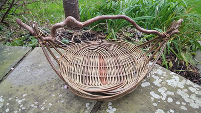 Zarzo Basket with natural handle, Clare Revera, Welsh Baskets
