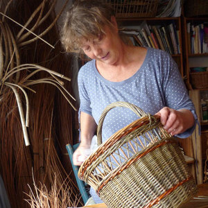 Clare Revera Willow Weaver weaving willow owl Wildlife Trust RHS